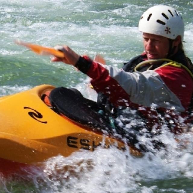 Sport d'eau vive en rivière