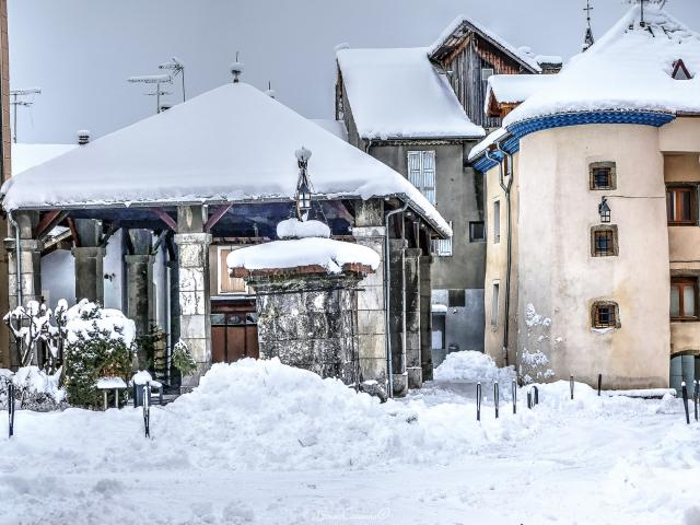 Place Grenette Saint Bonnet En Champsaur (2)