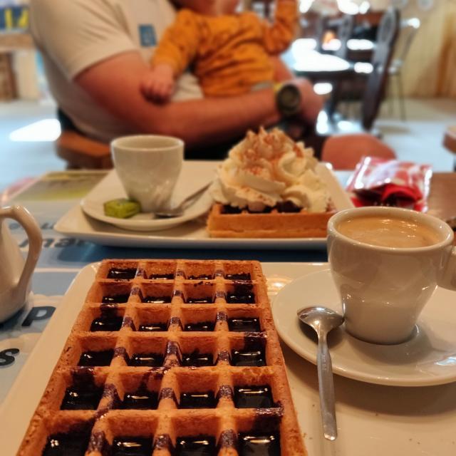 Pause gourmande au petit randonneur à Chabottes