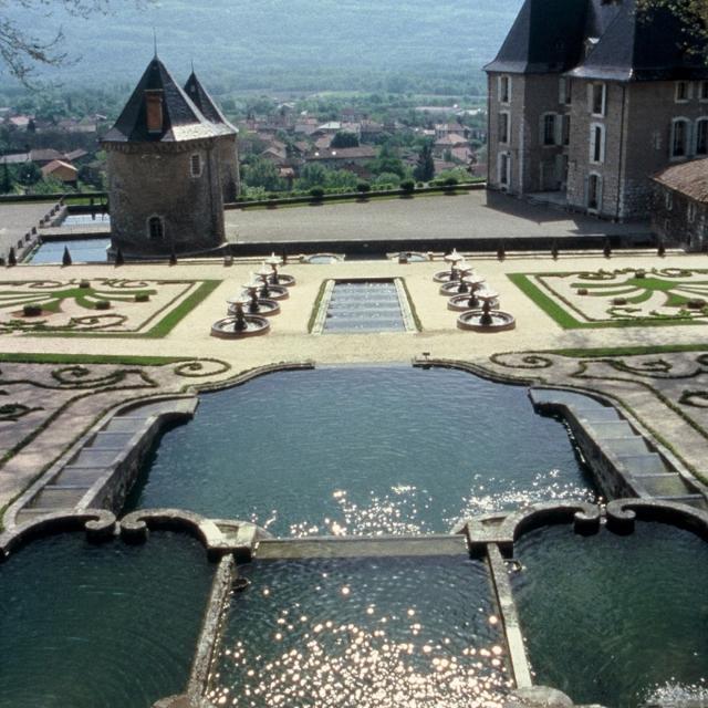 10185314 Jardins Et Chateau Du Touvet