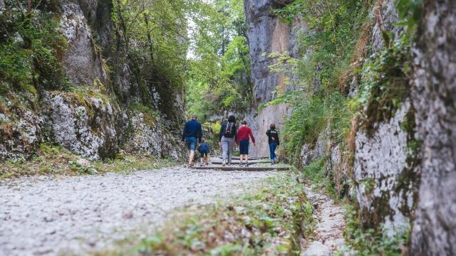 Grottes De Saint Christophe, Voie Romaine