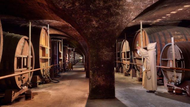 Moines Caves Liqueur Plantes Chartreuse