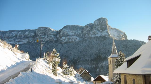 Village de Corbel sous la neige