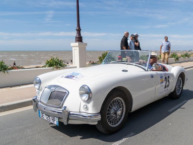 Course Automobile Ancienne Retro Chatelaillon Plage