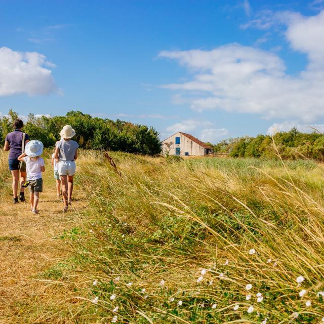 Marais Yves Chatelaillon Tourisme Agence Les Conteurs 43