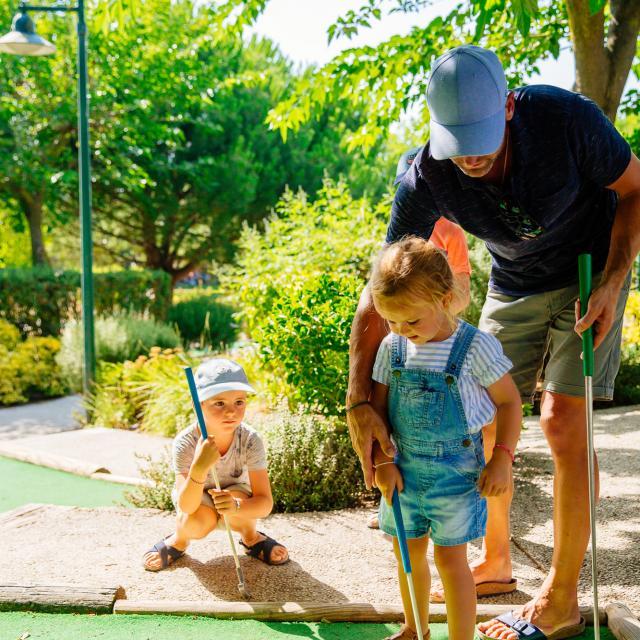 Mini Golf Conteurs