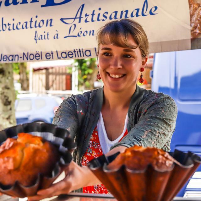 Sur le marché de Léon, des pâtisseries locales de fabrication artisanale