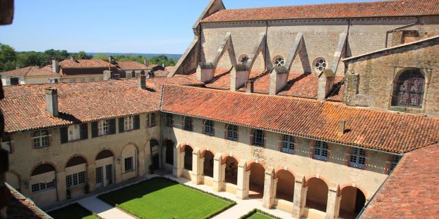 Landes Chalosse Cloître Abbaye Stsever