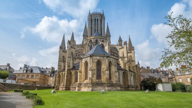Arrière de la cathédrale de Coutances dans la manche