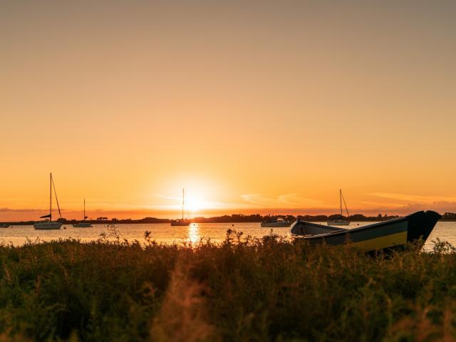 Havre de Regnéville sur Mer au coucher du soleil