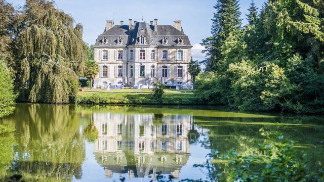 Chateau Du Perron à Saint-Sauveur Village