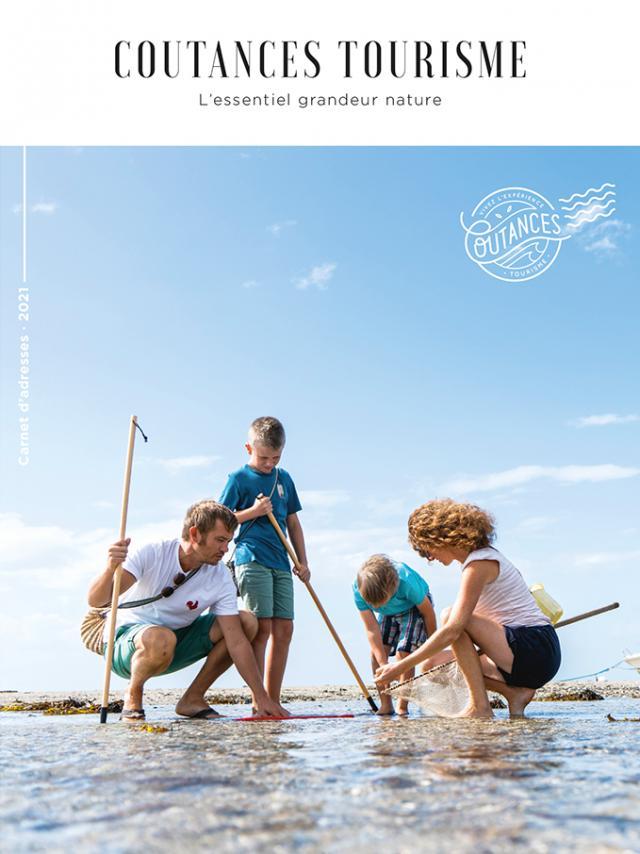 Couverture du carnet d'adresses éditoon 2021 de Coutances tourisme