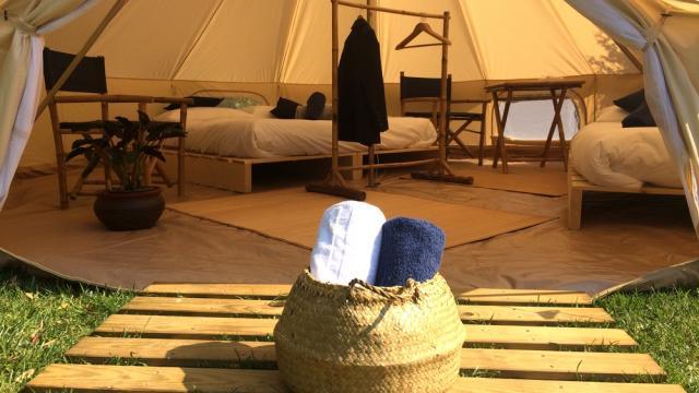 Lodges pour séjourner pendant le festival jazz sous les pommiers proposés par Coutances Tourisme