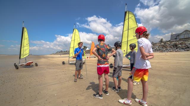 activités pour enfants, char à voile à coutances mer et bocage