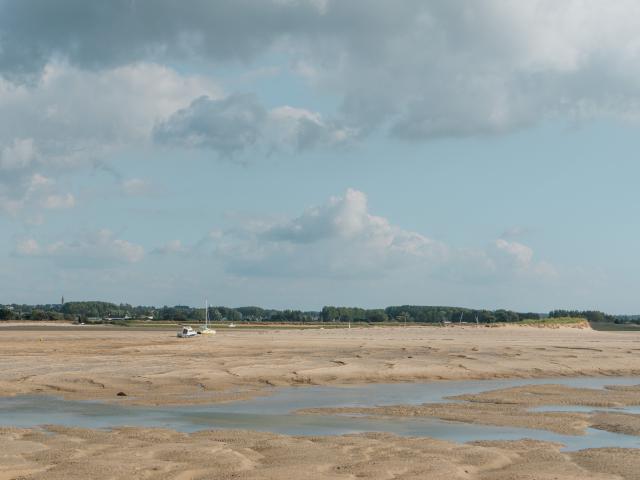 Marée basse dans le havre de la Vanlée