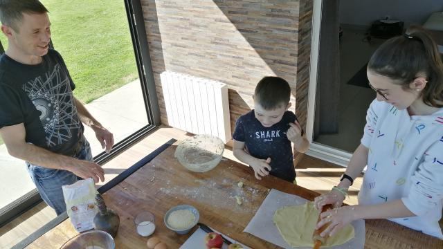 Recette Maison Enfants Tarte Aux Pommes Gastronomie Terroir (12)