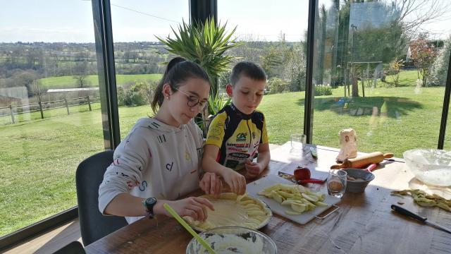 Recette Maison Enfants Tarte Aux Pommes Gastronomie Terroir (26)