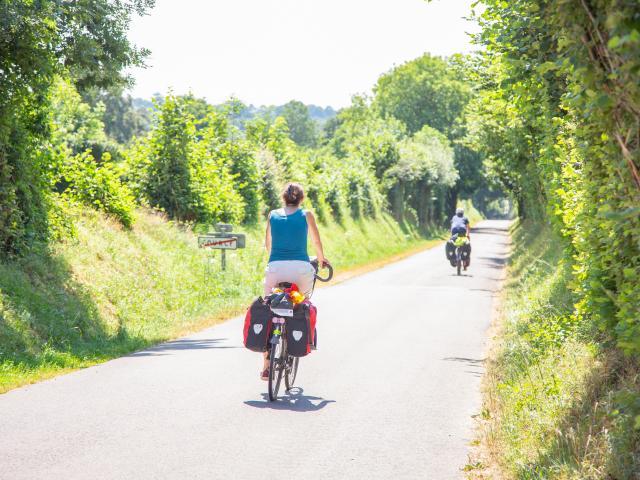 En vélo sur les petites routes