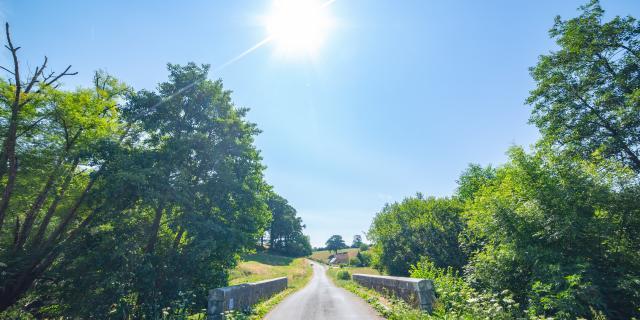Routes de campagne dans le bocage Coutançais