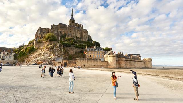 Le Mont-Saint-Michel vu depuis la plage