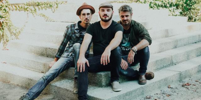 Groupe zic sur le Zinc - Jolies Letters Trio