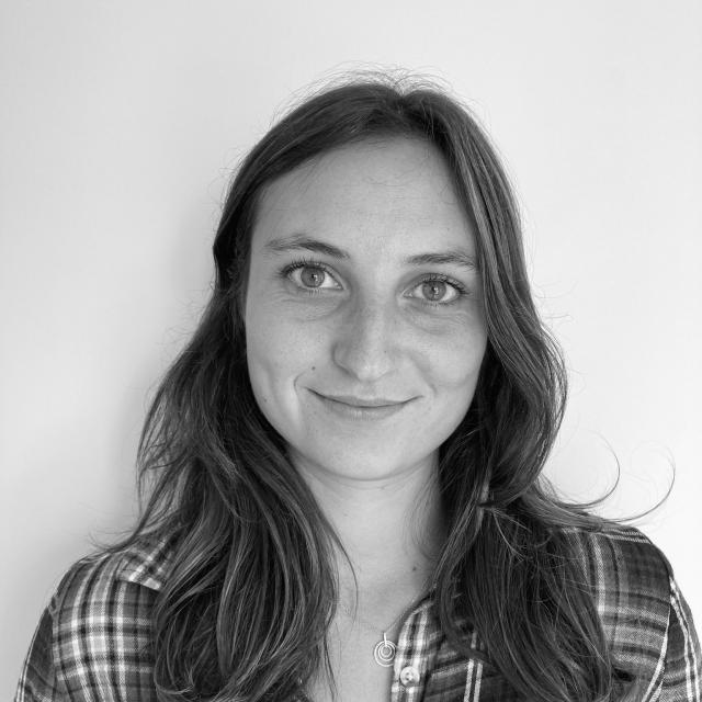 Colline rigaut chargée des relations presse et des réseaux sociaux à Coutances Tourisme