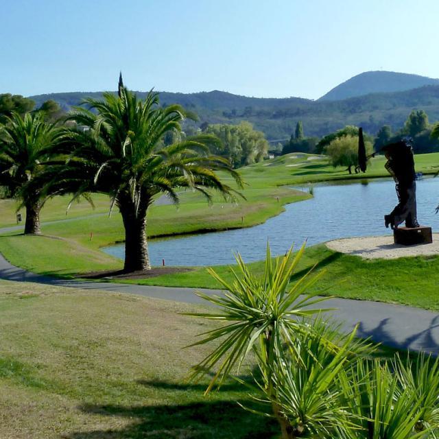 bloc-bon-plan-drilldown-golfs-riviera-golf-de-barbossi-1920x780-1.jpg