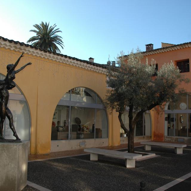 Musée Histoire Et Céramiques2