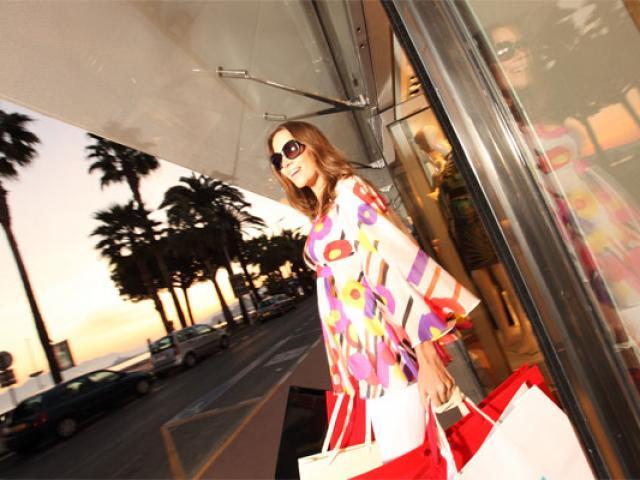 022-cannes-shopping-kelagopian-pfcc-557x400-1.jpg