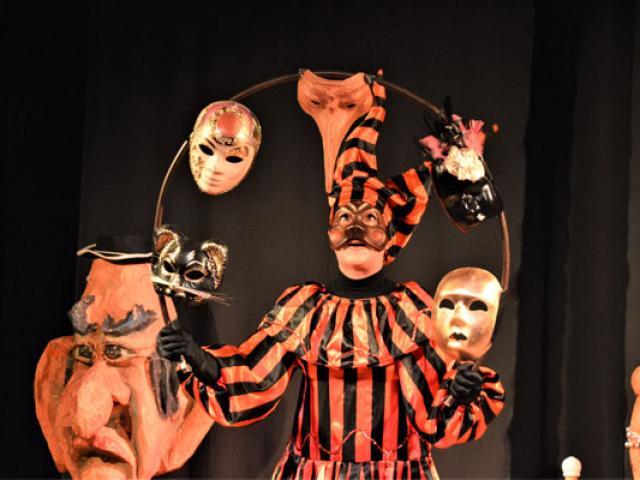 copy-kidiklick06-theatre-3-557x400-1.jpg