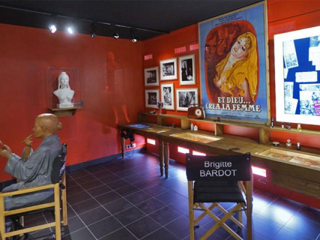 Copy Musee De La Gendarmerie Et Du Cinema 557x400 1