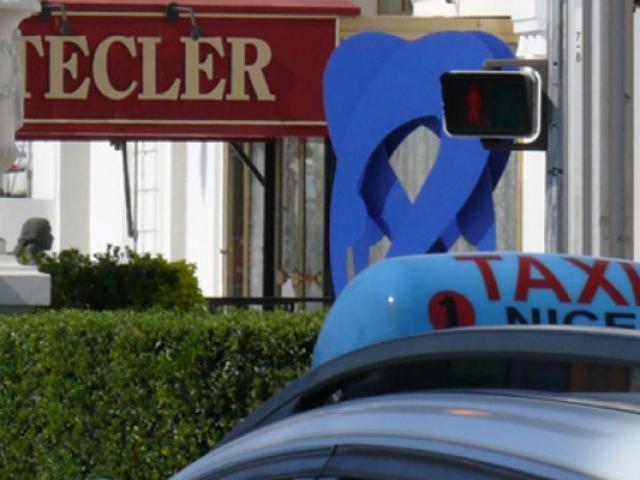 copy-ot-nice-taxi-557x400-1.jpg