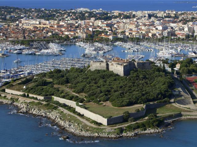 Fort Carre Cmoirenc 557x400 1