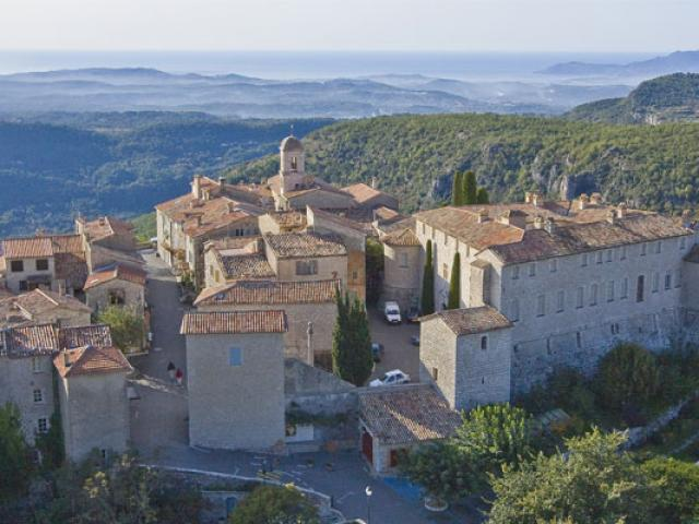 Gourdon Villages Pierre Behar 10 557x400 1