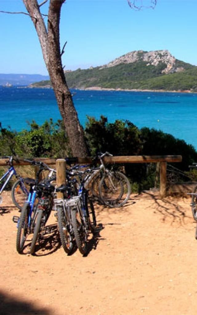 hyeres-tourisme-porquerolles-1-272x400-1.jpg