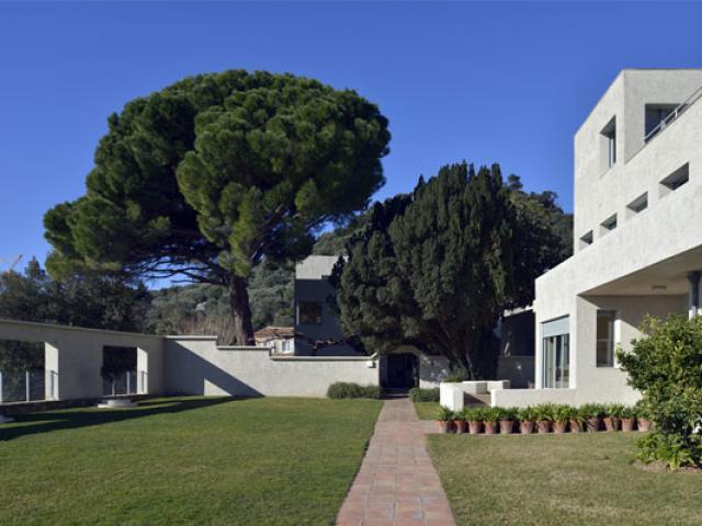 hyeres-tourisme-villa-noailles-557x400-1.jpg