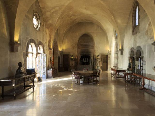 Interieur Chateau Napoule Cmoirenc 138120 557x400 1