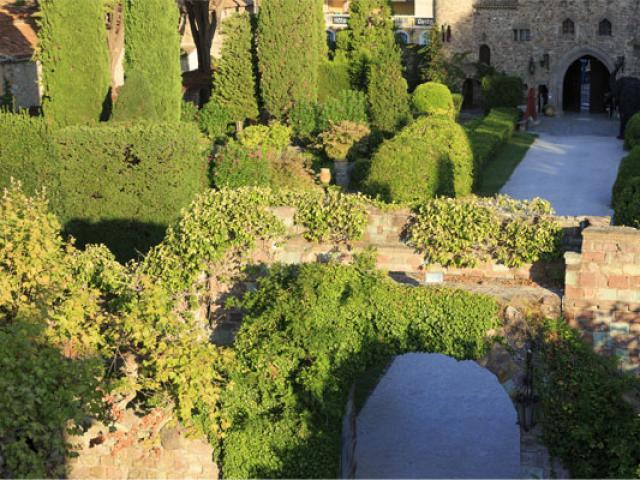 Jardin Chateau Napoule Cmoirenc 138120 557x400 1