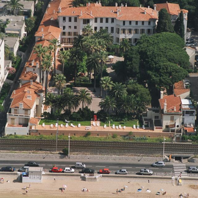 photo-campus-intl-cannes-aerial-view-of-the-campus-big-version-2.jpg