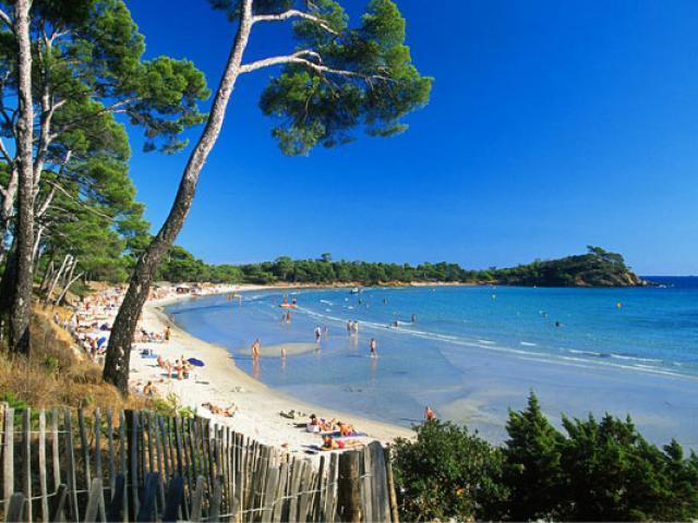 plage-de-lestagnol-cmoirenc-058817-557x400-1.jpg