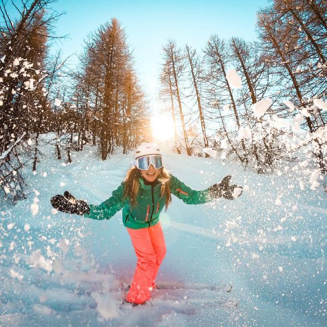 cover-landing-neige-et-ski-g0306459-1.jpg
