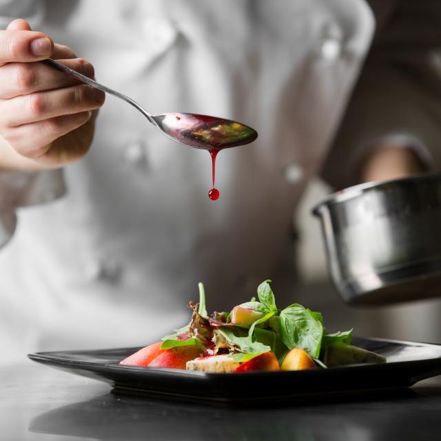 vignette-maitre-restaurateur-istock-516329534.jpg