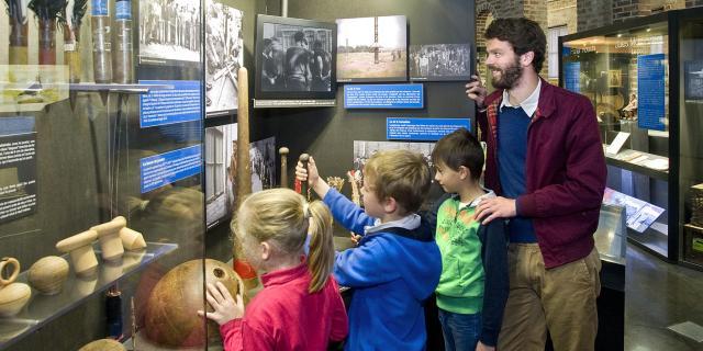 Lewarde_Centre Historique Minier_Exposition La Vie Dans La Cité Minière Les Jeux Traditionnels © S. Jarry Centre Historique Minier
