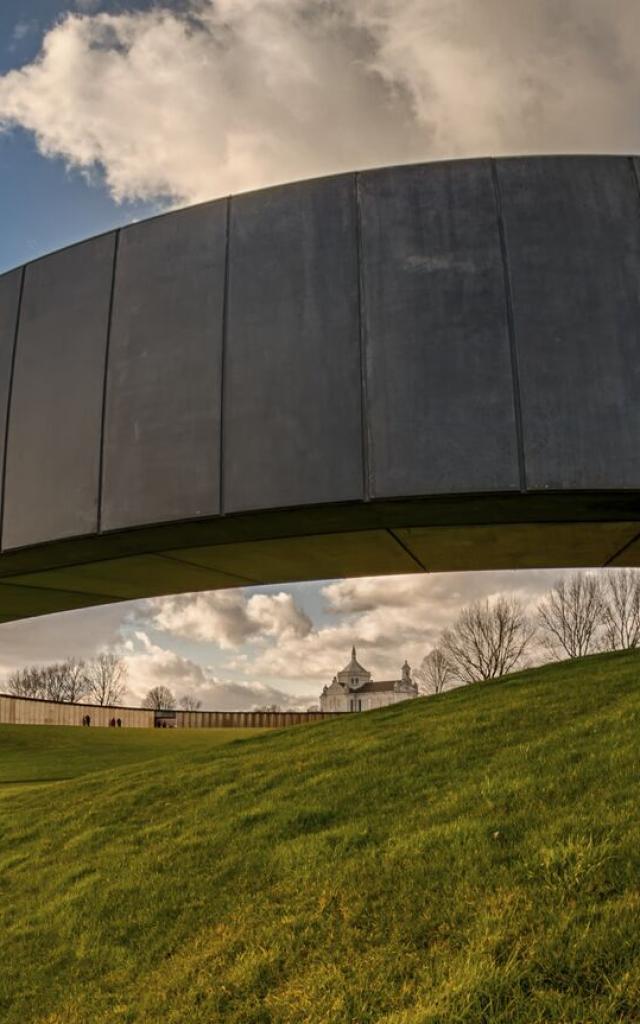 Ablain-Saint-Nazaire _ L'anneau de la mémoire © CRTC Hauts-de-France - Michel Deshayes