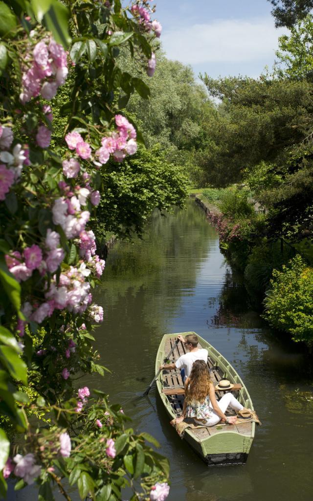 Amiens, balade en barque chambres hôtes comme une parenthèse © CRTC Hauts-de-France - Anne-Sophie Flament