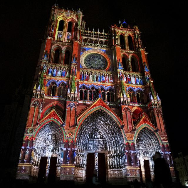Amiens _ Cathédrale d'Amiens _ Spectacle Chroma © CRTC Hauts-de-France - Teddy Hennin