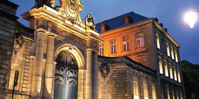 Arras _ Abbaye St Vaast © OT Arras Pays d'Artois Cituation et Ensemble Denis Cordonnier