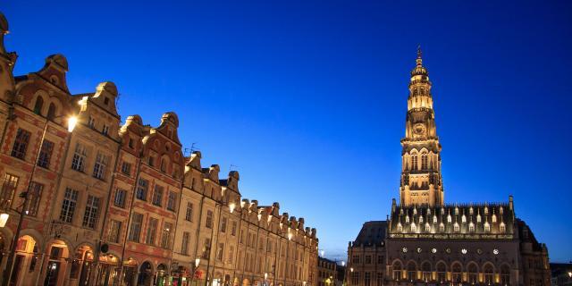 Arras _ Place des Héros _ Beffroi de l'Hôtel de Ville © CRTC Hauts-de-France – AS Flament