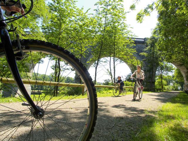 Thiérache, Viaduc d'Ohis Axe vert ©CRTC Hauts-de-France - Jean-Francois DEROUBAIX