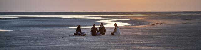 Baie de Somme _ Yoga au milieu de la Baie © CRTC Hauts-de-France - Nicolas Bryant